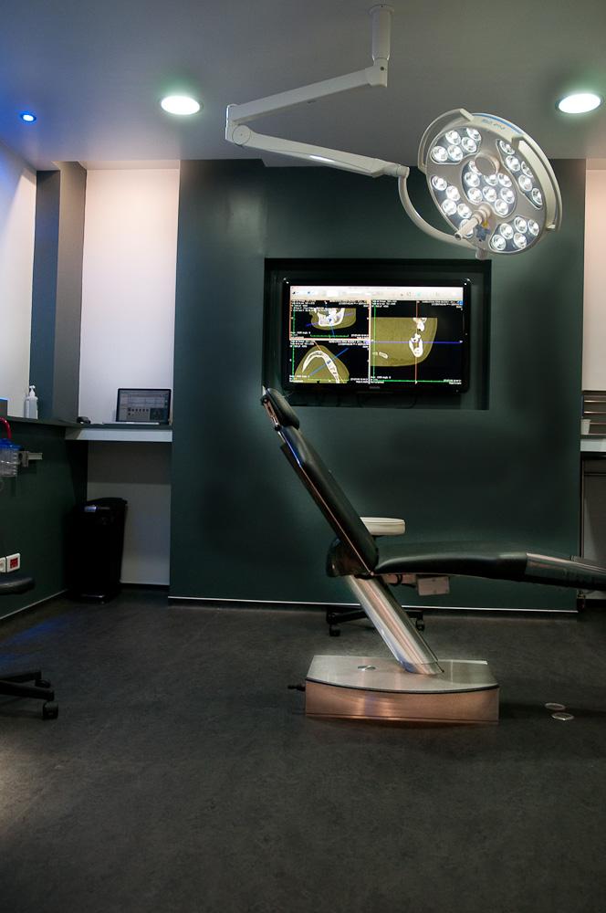 une salle blanche pour l 39 asepsie implant dentaire et greffes osseuses pr implantaires. Black Bedroom Furniture Sets. Home Design Ideas